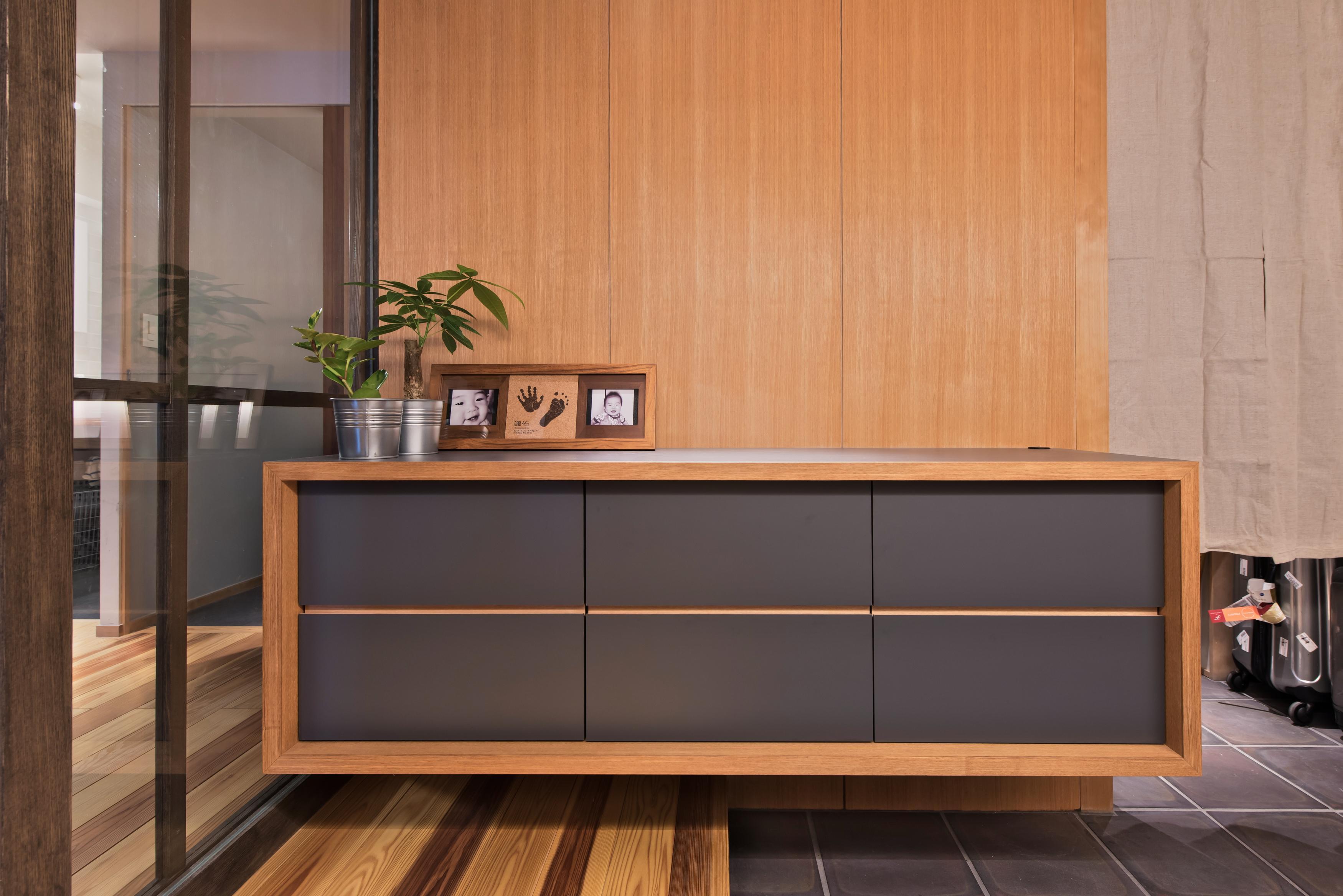 玄関、廊下、玄関収納、フロートタイプ、リノベーション、マンションリノベーション、ハンズデザイン一級建築士事務所
