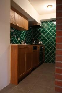 キッチン、収納、木材、框、床、タイル、ハウストラッド、マンションリノベーション
