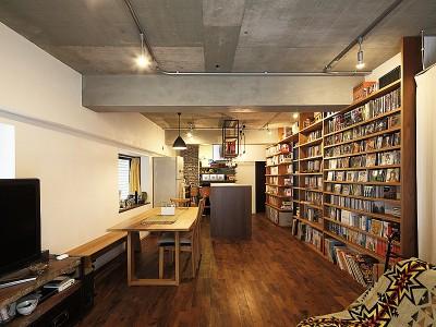 「株式会社トラスト」のマンションリノベーション事例「バーカウンターのある趣味空間」