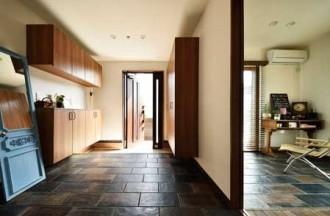 部分リフォーム、玄関、玄関収納、ヴィンテージ調、タイル床、自然素材、リノベーション、ロハススタジオ