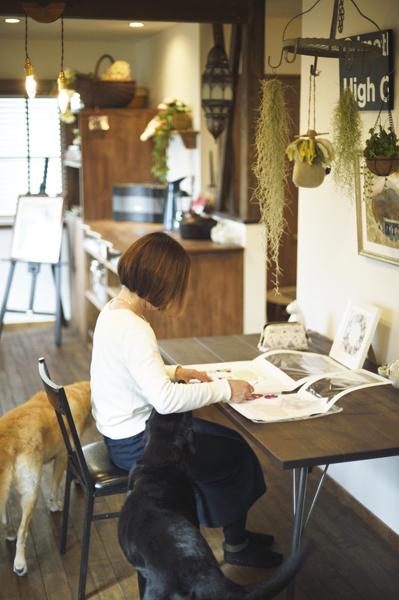アトリエ、趣味部屋、ペット、犬、自然素材、リノベーション、ロハススタジオ、ハトレケ