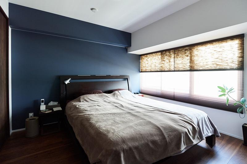 リノベーション、寝室、青、ベッドルーム、遮熱塗料、アクセントウォール、インテリックス空間設計