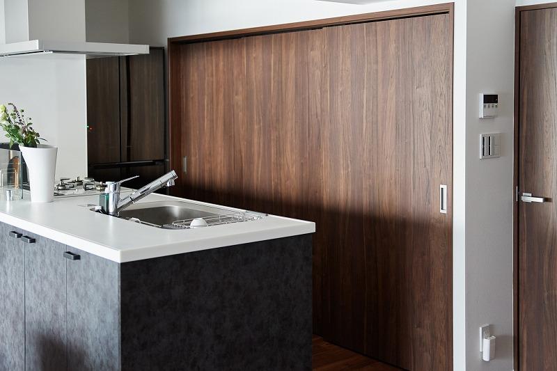 リノベーション、リビングルーム、キッチン、キッチン収納、中古マンション、インテリックス空間設計