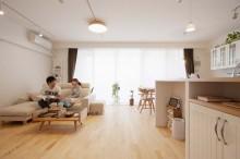 バーチ材、無垢フローリング、自然素材、床暖房、リビング、直貼り、リノベーション、スタイル工房