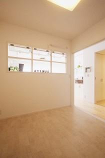 フリースペース、コルク床、室内窓、ナチュラル、自然素材、リノベーション、スタイル工房