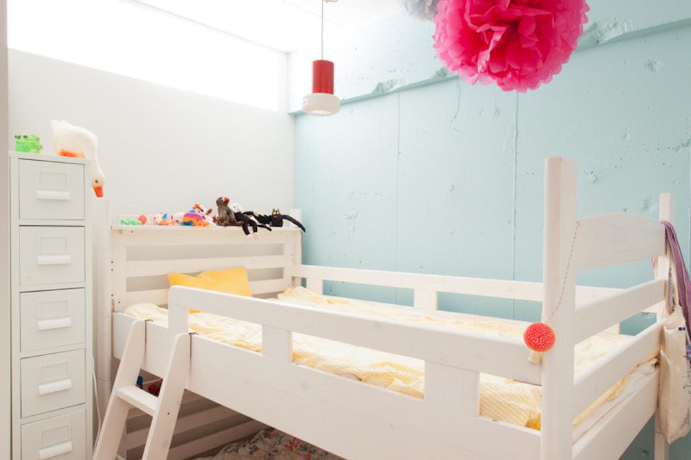 子供部屋、キッズルーム、2段ベッド、アクセントウォール、採光窓、室内窓、リノベーション、ecodeco