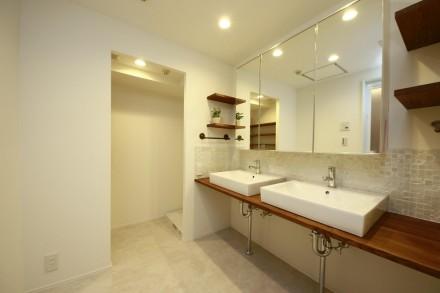 洗面室、パウダールーム、2ボール、タイル貼、ランドリールーム、脱衣所、リノベーション、リノベの一歩、鎌倉