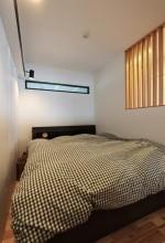 ベッドルーム、ベッドスペース、寝室、格子、リノベーション、中古でリノベ