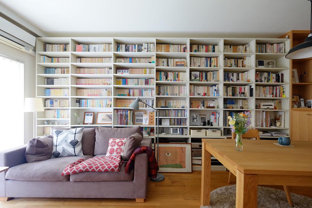 空間社、リノベーション、一人暮らし、本棚、壁面収納、リビング、ヨーロピアンオーク