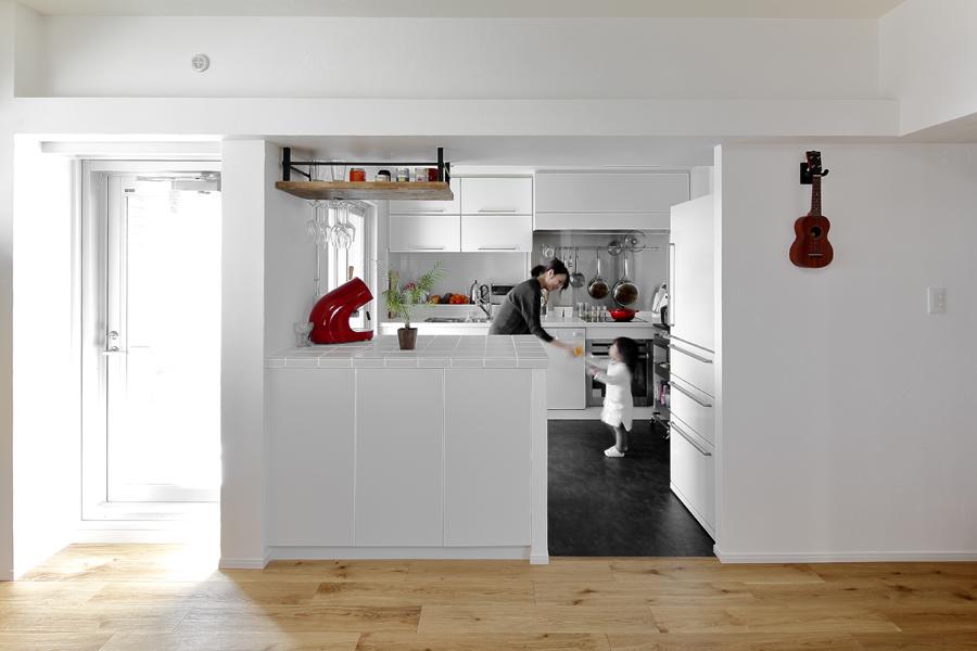 LOHAS studio、リノベーション、キッチン、回遊動線、西海岸風、