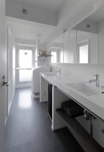LOHAS studio、リノベーション、水回り、水廻り、シンプル、機能的、洗面台、2ボウル、西海岸風、室内窓