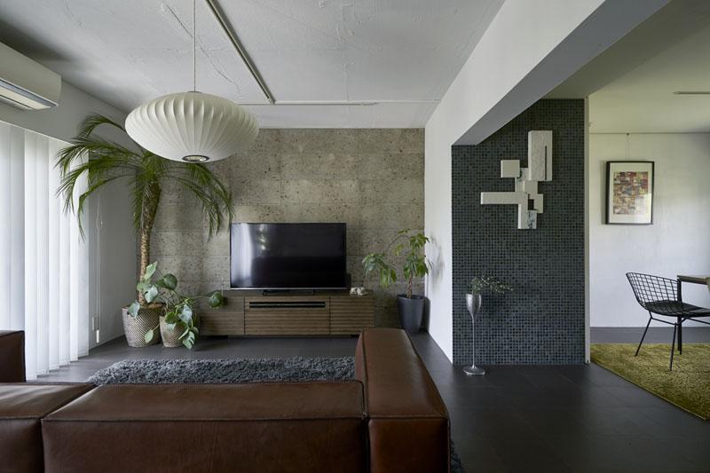 リビング、断熱材、ガイナ、アーバンスタイル、モザイクタイルタイル壁、コルク床、リノベーション、三井のリフォーム