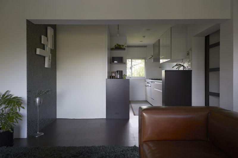 キッチン、キッチンカウンター、タイル壁、コルク床、断熱材、ガイナ、アーバンスタイル、リノベーション、三井のリフォーム