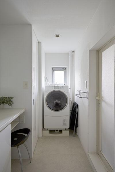 ランドリールーム、脱衣所、洗面台、バスルーム、リノベーション、三井のリフォーム
