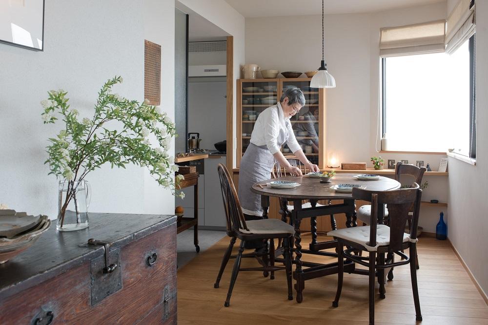 「ハンズデザイン一級建築士事務所」のリノベーション事例「上質な素材に包まれたギャラリーのような家」