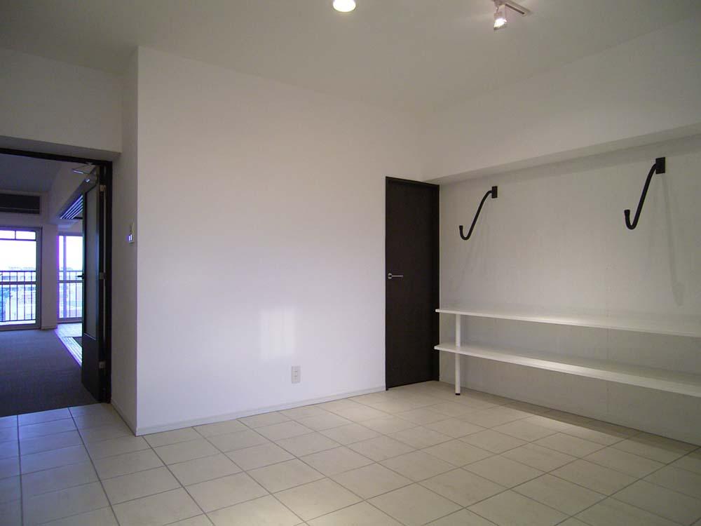 エキップ、リノベーション、サーファーズルーム、玄関土間