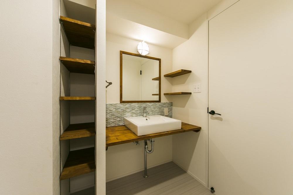 リノベの一歩、リノベーション、洗面台、タイル、可動棚
