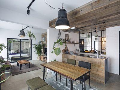 「東京リノベ」のマンションリノベーション事例「壁式構造のマンションでも叶う モルタル床に光を取りいれた、素材を楽しむ上質リノベーション」