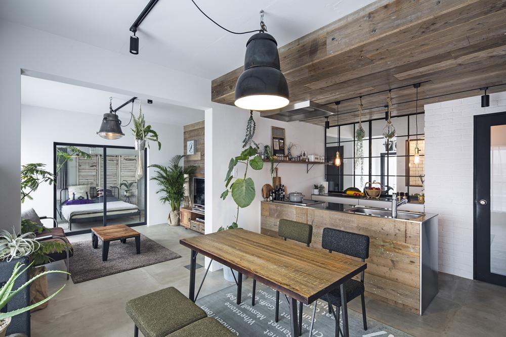 「東京リノベ」のリノベーション事例「壁式構造のマンションでも叶う モルタル床に光を取りいれた、素材を楽しむ上質リノベーション」