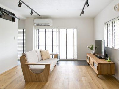 「インテリックス空間設計」のリノベーション事例「赤レンガの桜並木を望む角部屋に「かっこいい」を集めたお気に入りの住まい。」