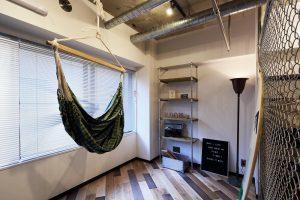 間仕切り、フェンス、金網、洋室、ハンモック、棚、オープン、リノベーション