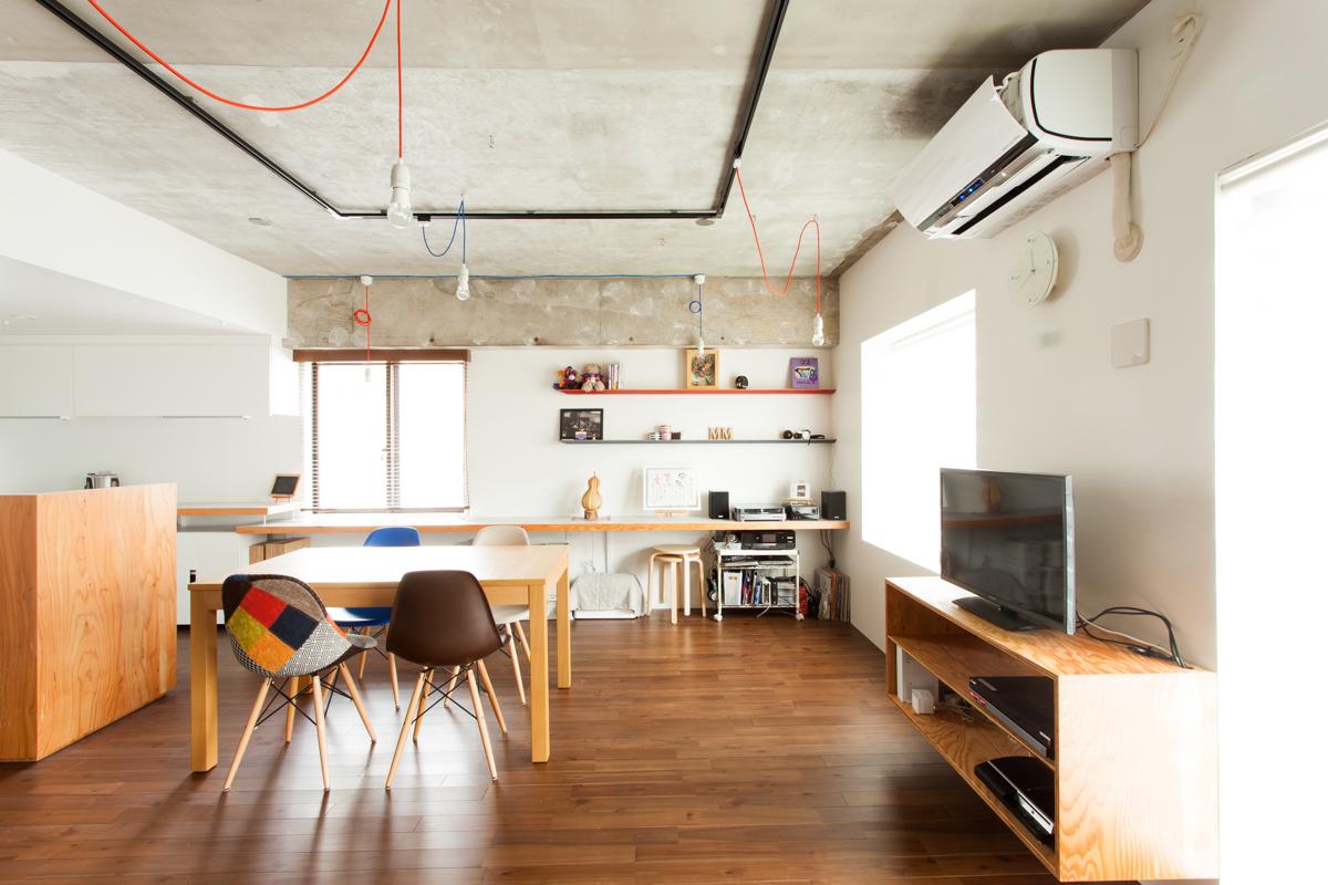 「EcoDeco」のリノベーション事例「青と赤がテーマカラー ビコロールの家」
