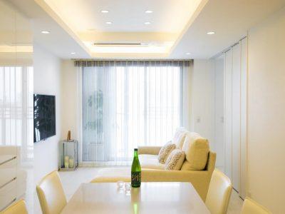 「QUALIA クオリア」のマンションリノベーション事例「ホワイトを基調にした明るい空間に生まれ変わったタワーマンション」