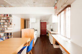 EcoDeco、リノベーション、キッチン、見せる収納、テーマカラー、カウンター、
