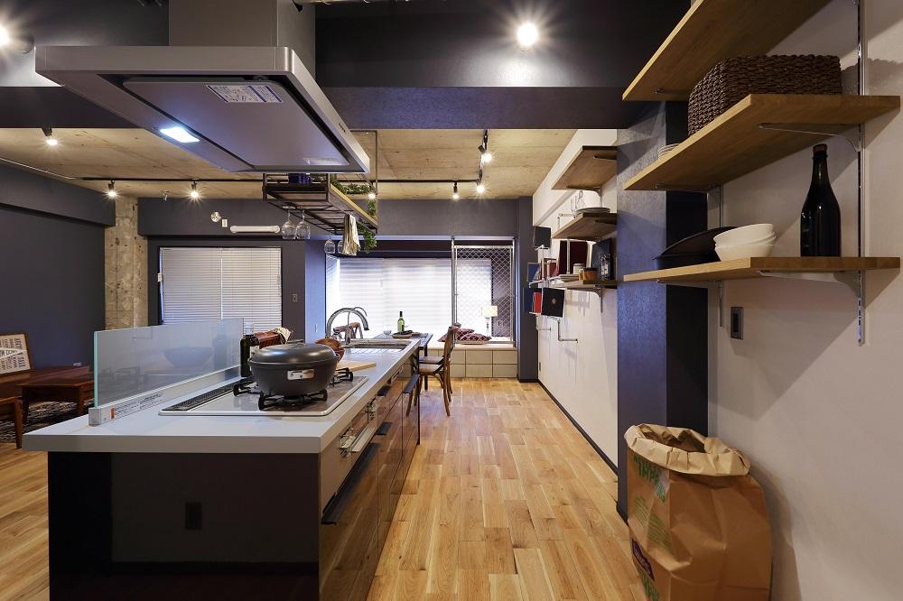 オープンキッチン、対面式、リビングダイニング、作業台、マンション、リノベーション、ヤナセ不動産