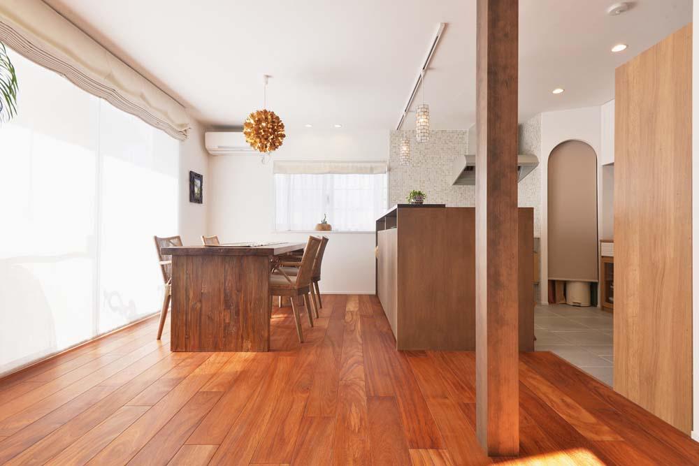 スタイル工房、リノベーション、戸建リノベ、自然素材、アジアンテイスト、ナラ材、カウンターキッチン