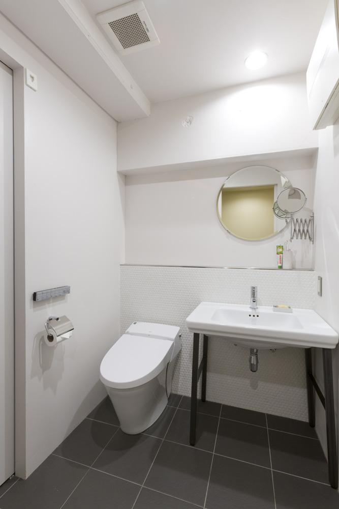 リノベーション、インテリックス空間設計、DIY、水まわり、トイレ、タイル床、