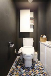 M・DESIGN タイル床 トイレ、既存利用、水まわり、リノベーション、アクセントクロス