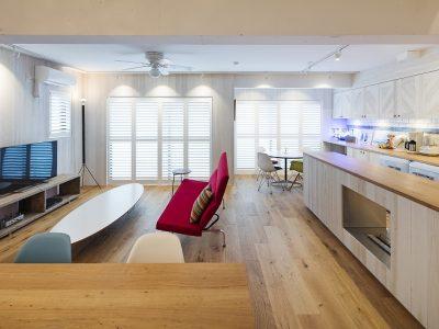 「東京リノベ」のマンションリノベーション事例「海に調和する西海岸スタイルのセカンドハウス」