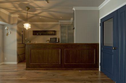 リノベ―ション、グラデン、モールディング、室内窓、ペンダントライト 星形、キッチン