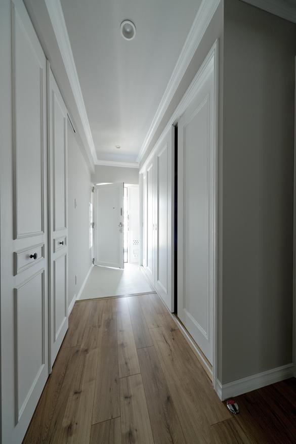 リノベ―ション、グラデン、モールディング、ホテルライク、ホテル風、廊下、オリジナル建具