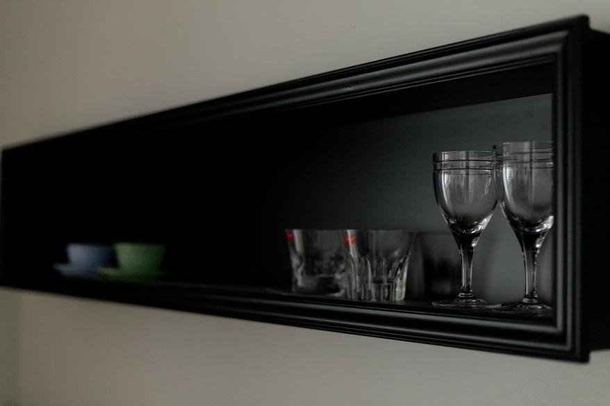 リノベ―ション、グラデン、モールディング、オリジナル建具、アンティーク調、ホテル風、飾り棚