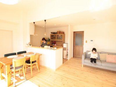 「湘南リフォーム」のマンションリノベーション事例「パイン無垢フローリングであったか!ナチュラルなカフェ風LDK」