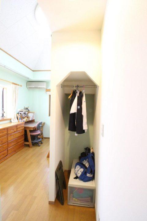 湘南リフォーム 子ども部屋 オリジナル家具 階段下