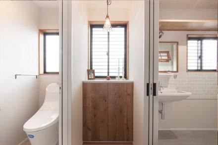 リノベ―ション、住工房、ナラ無垢材、水まわり、室内壁、二世帯リノベ、タイル壁