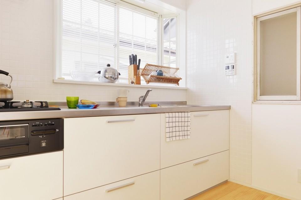 夢工房、ステンレス、白、シンプル、キッチン、戸建リノベーション