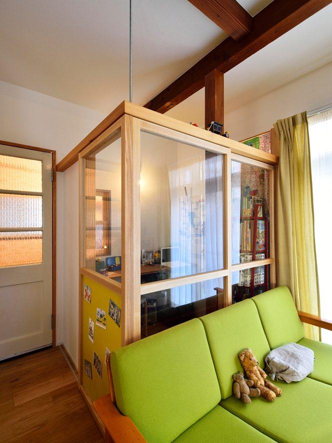 ガラス戸、引き戸、書斎、開放感、戸建て、リノベーション