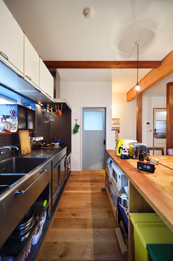 業務用キッチン、ステンレス、吊り戸棚、再利用、戸建て、リノベーション