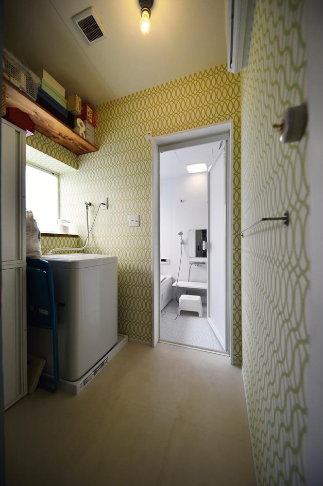 洗面室、動線計画、幾何学模様、クロス、戸建て、リノベーション