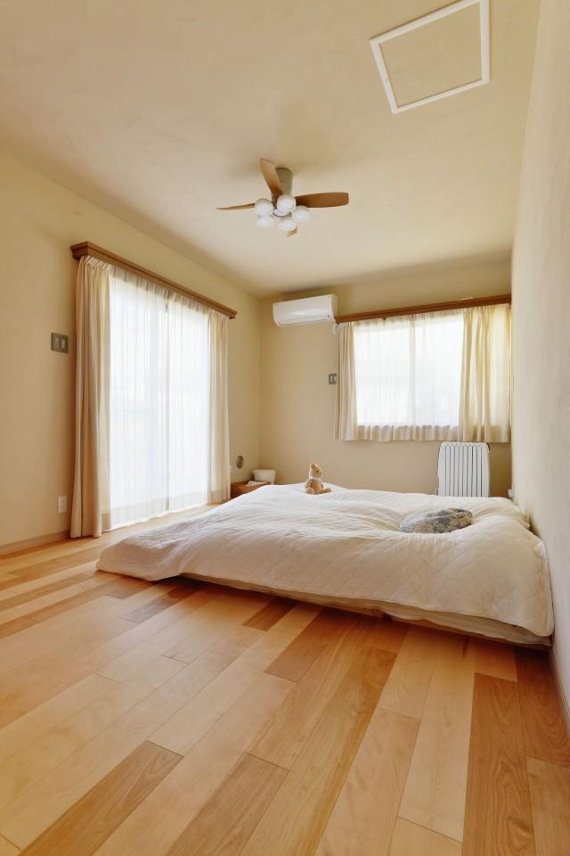 リノベーション、夢工房、自然素材、寝室、ウッドテイスト、シーリングファン