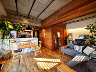 「スタイル工房」のリノベーション事例「無垢やアイアンの素材感が生きる、魅惑のヴィンテージ空間!」
