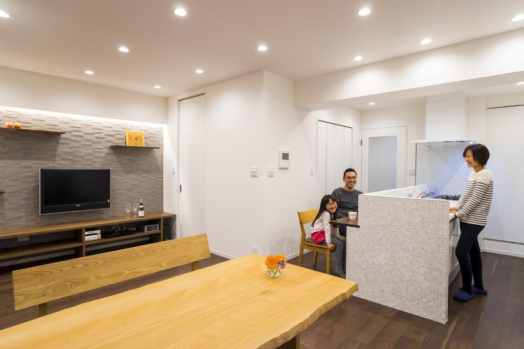 「QUALIA クオリア」のリノベーション事例「家族の夢をカタチに。素材感と居心地のよさにこだわったホテルライクな家」