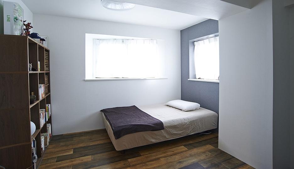 リノベーション、リノまま、寝室、ベッドルーム、アクセントクロス
