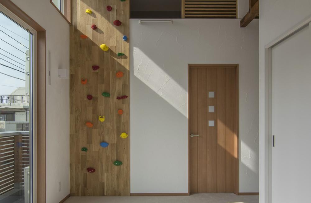 戸建リノベ、エキップ、リノベーション、ボルダリング壁、クライミングスペース、ロフト