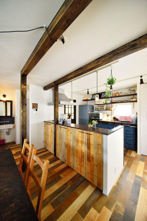 梁、キッチン、カウンター、造作、床、オークミックス