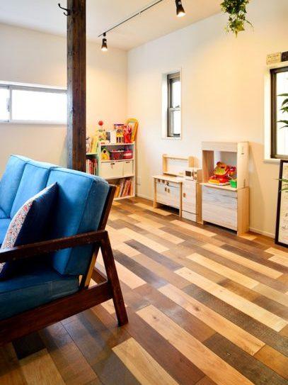 子供、遊び場、柱、オークミックス、床、戸建てリノベーション